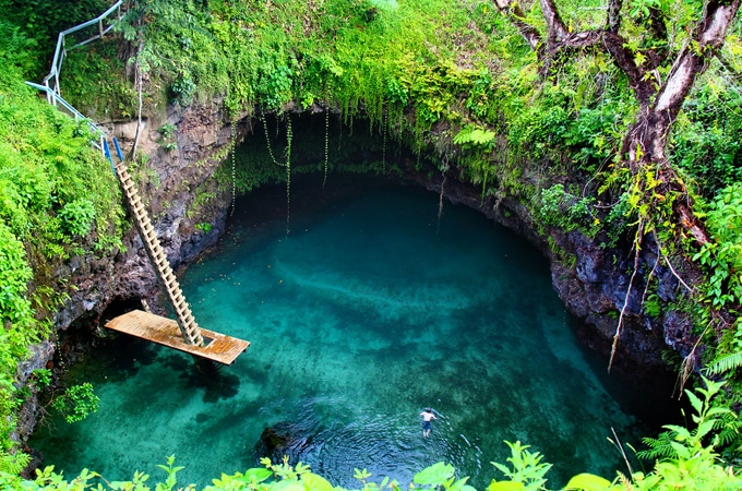 Dive into ToSua Ocean Trench