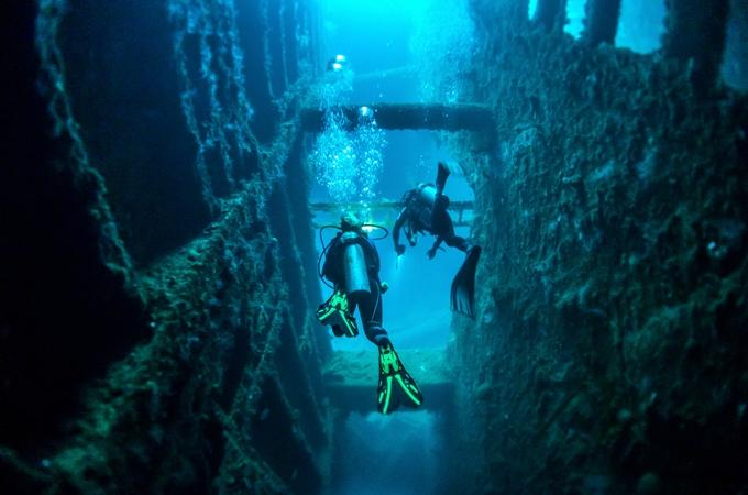 Explore the underwater world, Vanuatu