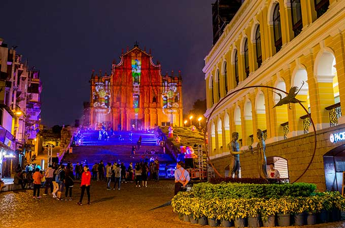 Spectacular 3D light-mapping on some of Macao's most incredible sites, including the Ruins of St Paul's