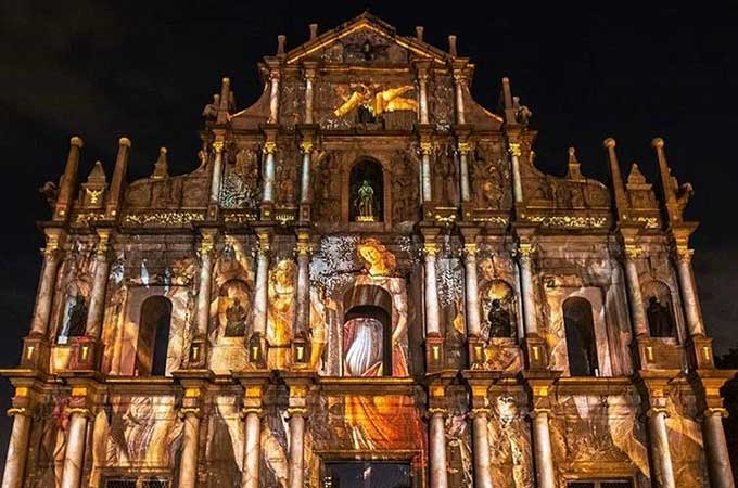 See the light in Macao with a captivating trail of illuminated attractions. Photo: Macao Government Tourism Office