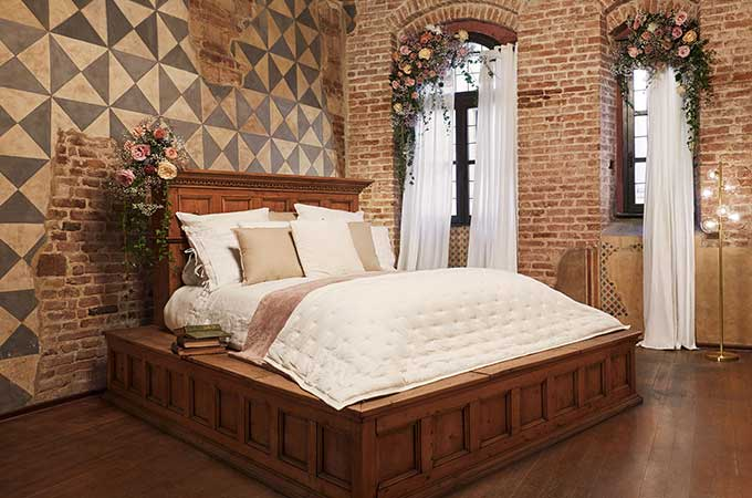 Airbnb worked with an Italian architect to prepare for a modern-day Romeo & Juliet, showcasing the original bed used in Zeffirelli's 1960s classic Romeo and Juliet.