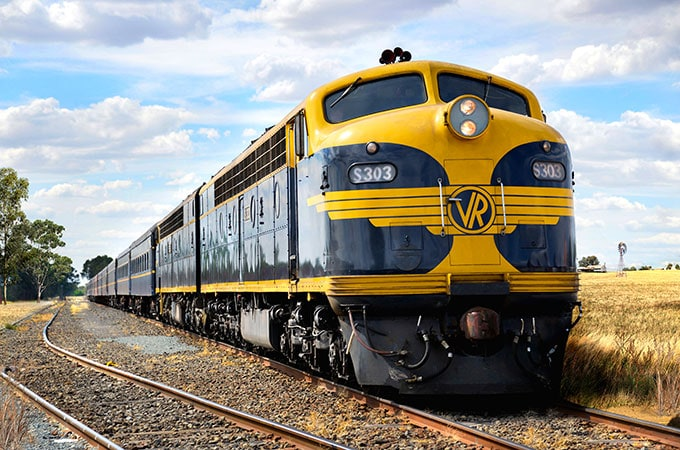 The six-carriage train includes original 1930s compartment cars, a parlor car and kiosk car, which will be hauled by the restored, 1957-built Streamliner diesel locomotive S303 and a 1977-built locomotive C501.