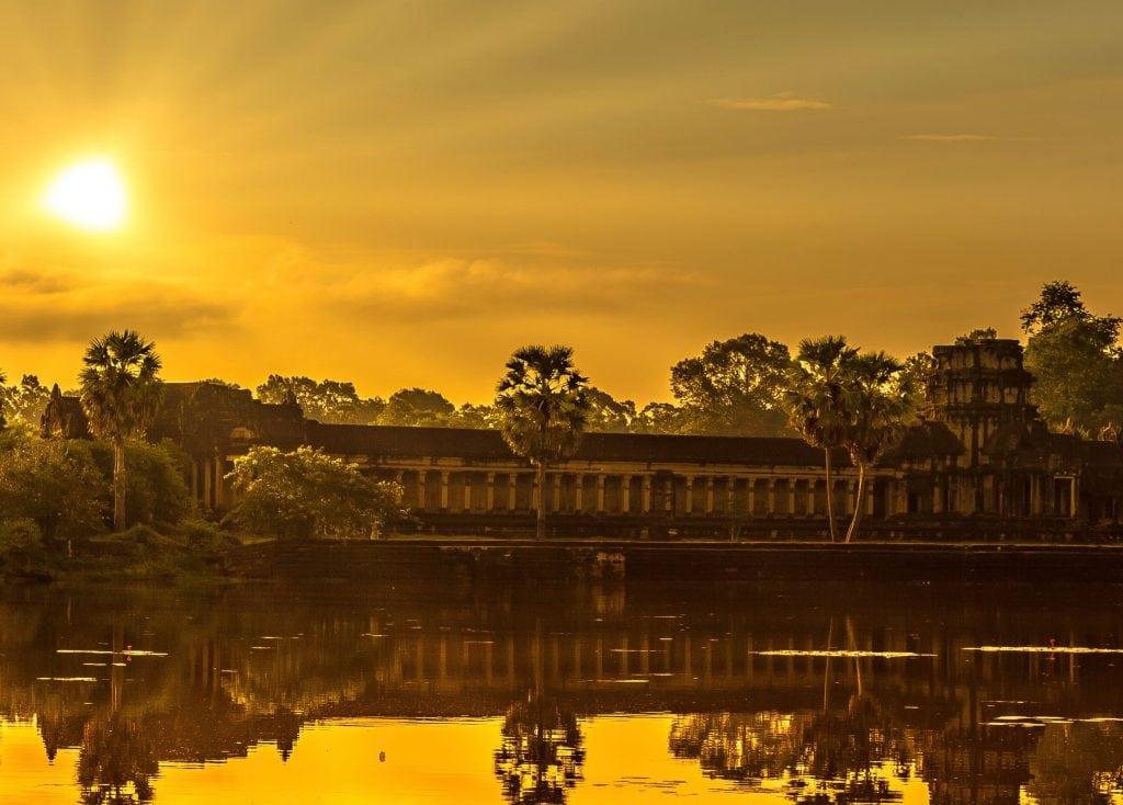 See the sunset Angkor Wat