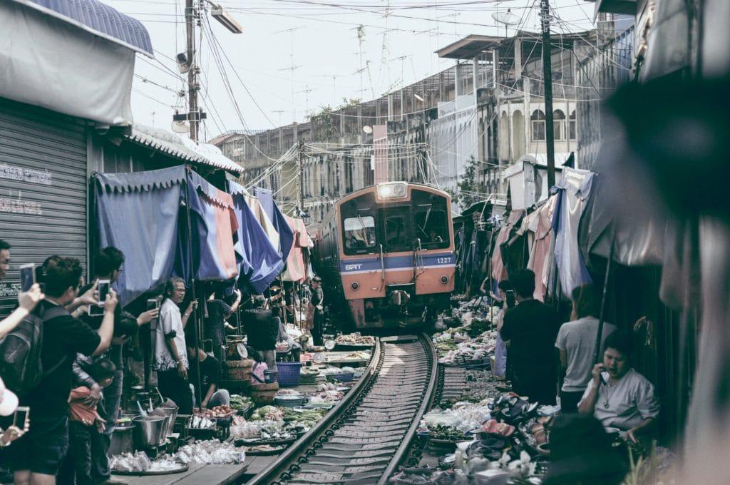 Samut Rail Market - Photo by LIM ENG on Unsplash