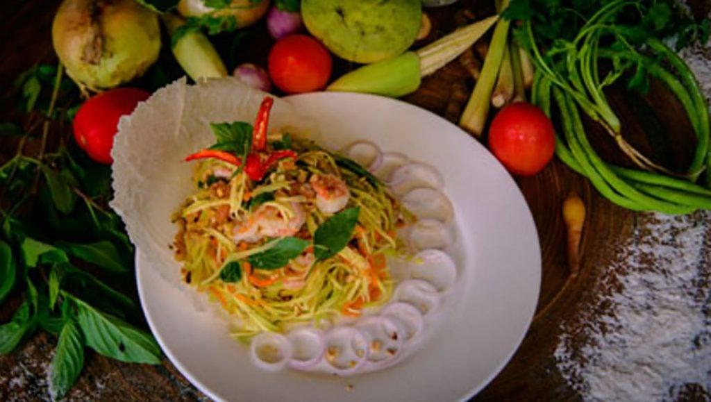 Green mango salad, learn to cook Cambodian cuisine at Le Tigre de Papier