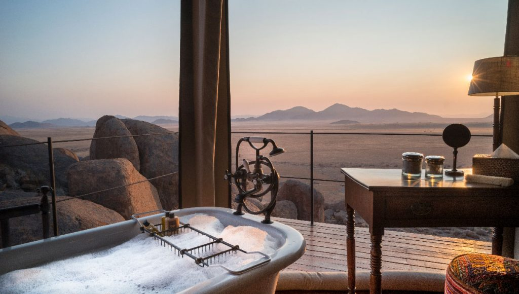 WEB_Namibia_BathtubwithView_at_Sonop---Bathroom-3---©-Tibo-for-Zannier-Hotels---@tibodhermy-copy