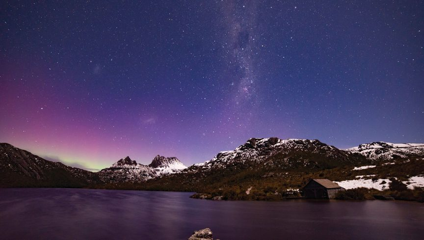 WEB-aurora-australis-over-Cradle-Mountain-credit-Pierre-Destribats