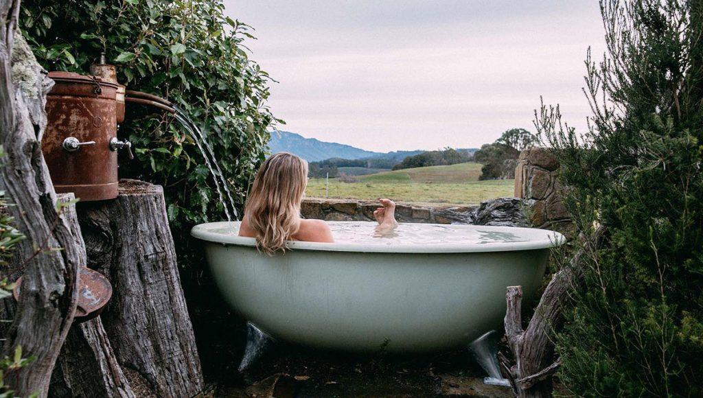 Breathtaking Baths with a view. Eagles Nest, Tasmania - Australia