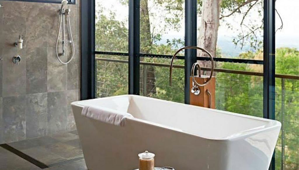 Spicers Sangoma Retreat, breathtaking baths with a view in Australia