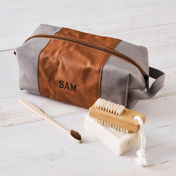 25 gift ideas, personalised toiletry bag